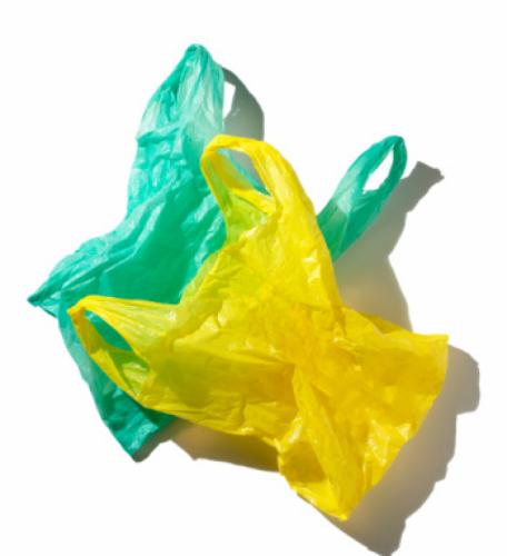 tipos de plásticos 4 - bolsas de color amarillo y verde hechas de LDPE Polietileno de baja densidad