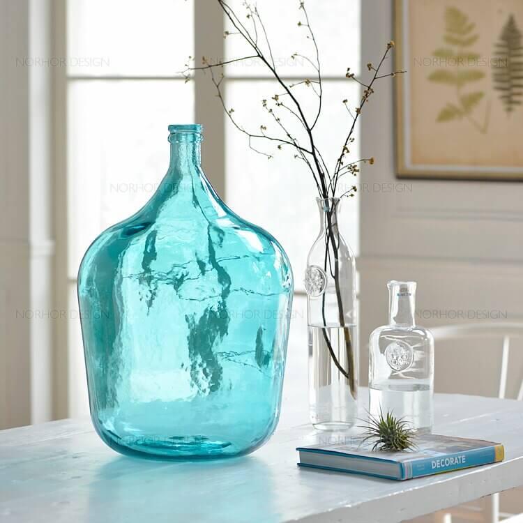 Floreros y otros elementos decorativos azules agua y feng shui