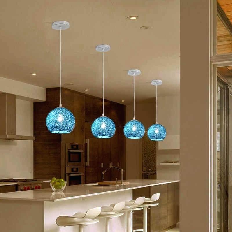 Iluminación en colores de agua feng shui en cocina moderna